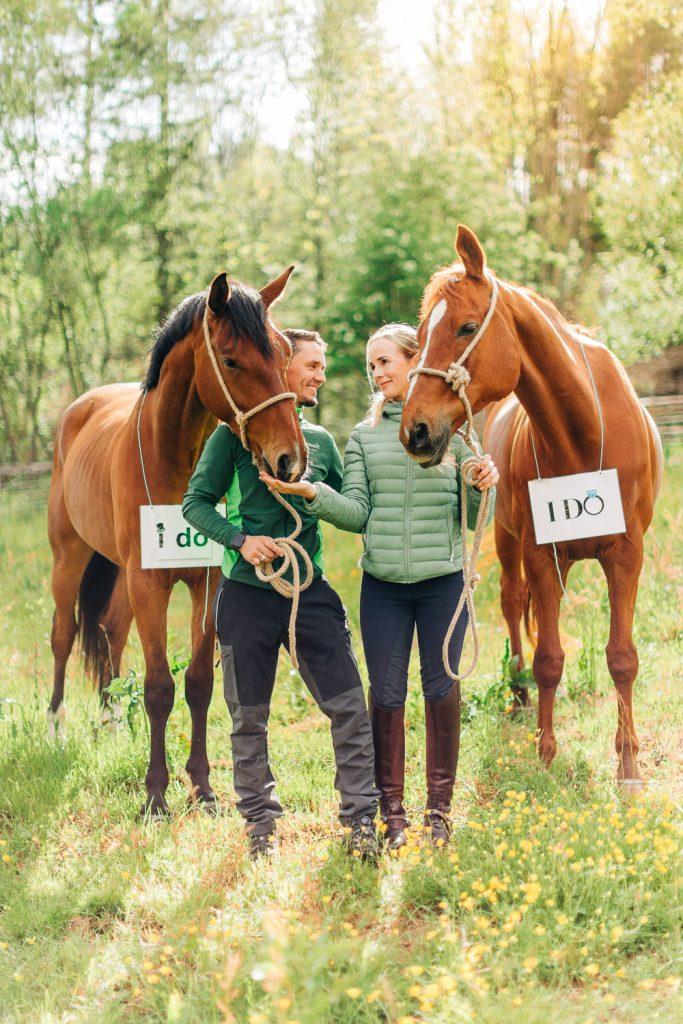 Forlovelsesfotografering med hest